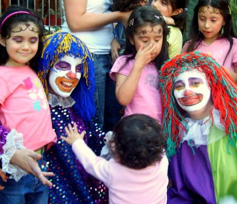 clowns-with-children